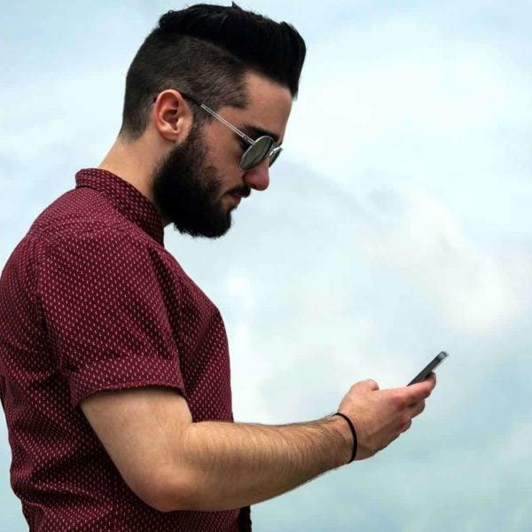 Online fitness trainer social media