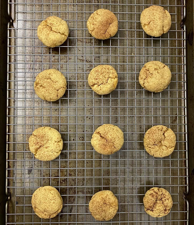 Pumpkin protein cookies with cinnamon