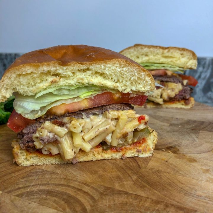 MAC & CHEESE stuffed burger