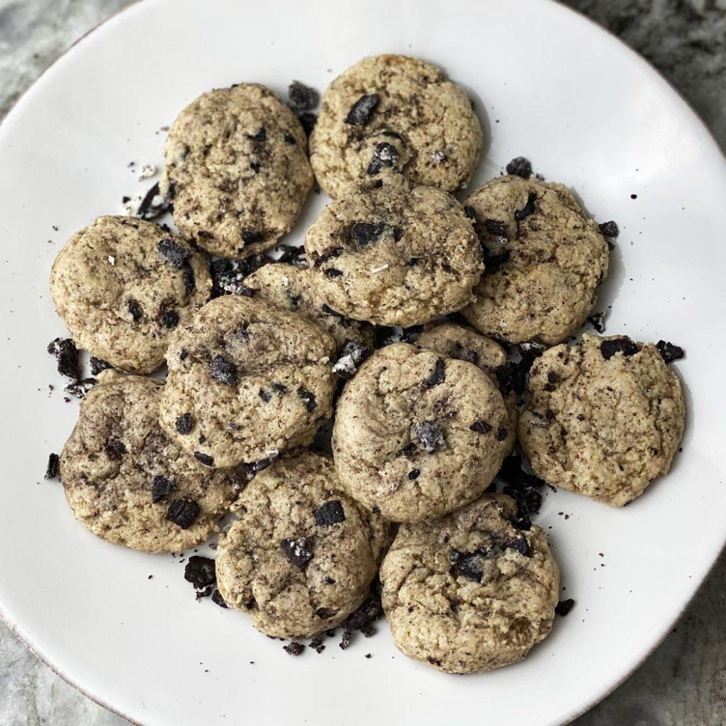 Protein Oreo Cheesecake Cookies