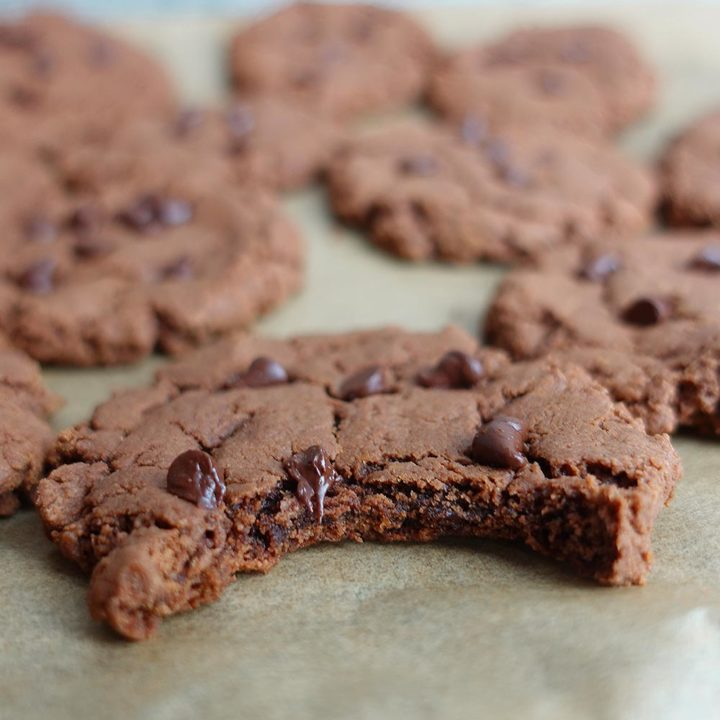 Easy Peanut Butter Nutella Cookies