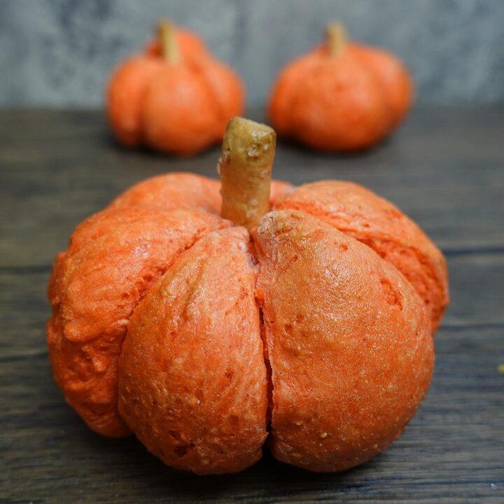 Pumpkin Shaped Bagels (No Yeast Required)